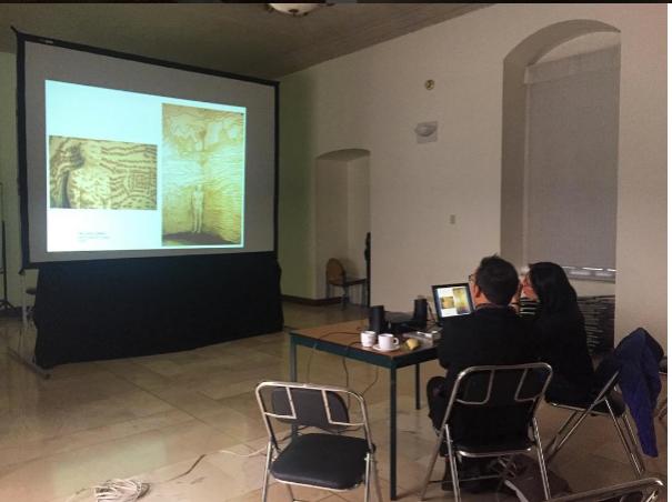 Lectura de portafolios de artistas locales en Quito