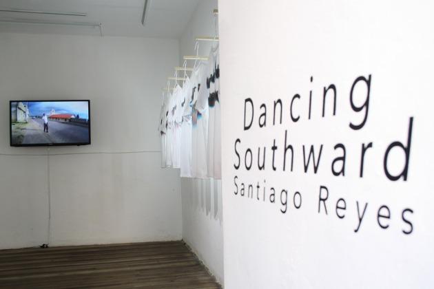 Dancing Southward - Santiago Reyes