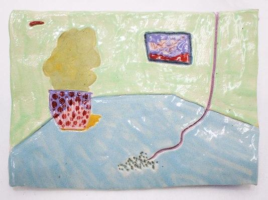 Sala con arbusto y manguera | Fernanda Murray | Cerámica | 17x23x0.5 cm | 2018 | $200